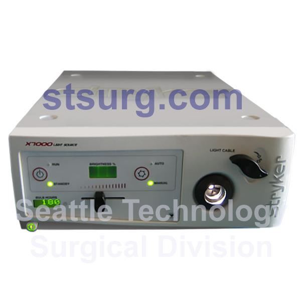 Stryker-X7000-300-Watt-Xenon-Light-Source